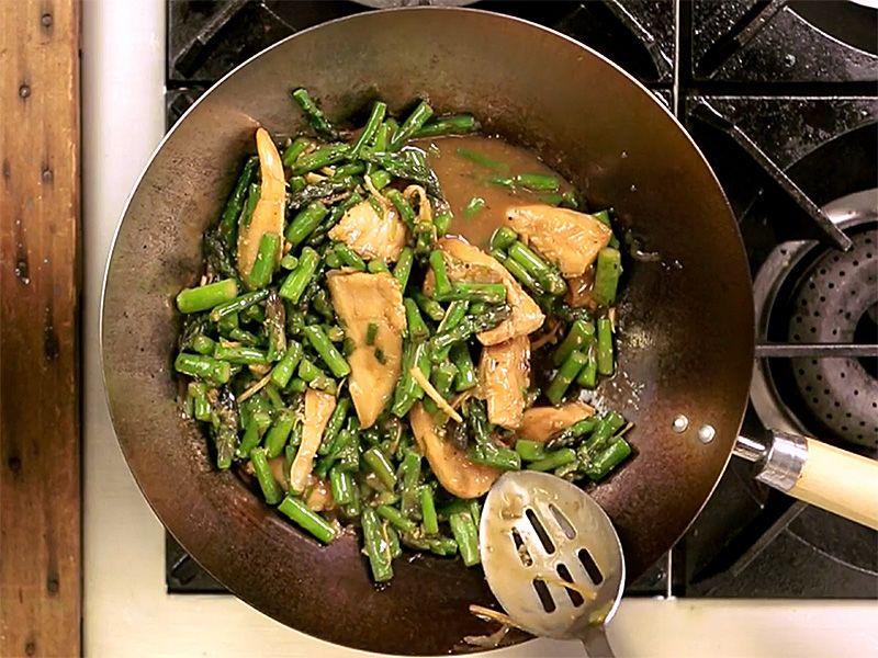 Asparagus and Chicken Stir-fry